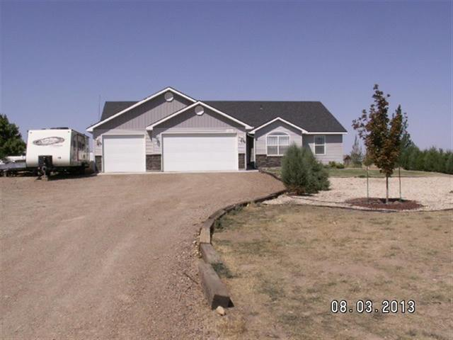 4555 SW D-Bar, Mountain Home, ID 83647 (MLS #98660606) :: Juniper Realty Group