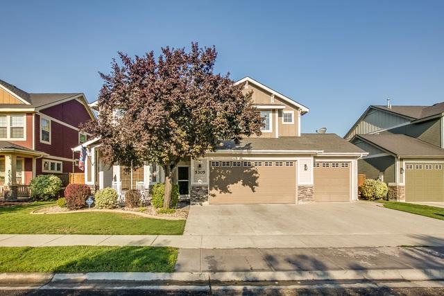 5305 N Fox Run Way, Meridian, ID 83646 (MLS #98668987) :: Build Idaho