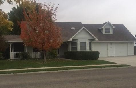 920 N Cleveland Avenue, Kuna, ID 83634 (MLS #98673299) :: The Broker Ben Group at Realty Idaho
