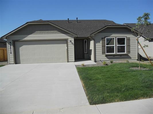 2300 E Elm Grove Dr, Nampa, ID 83686 (MLS #98673718) :: The Broker Ben Group at Realty Idaho