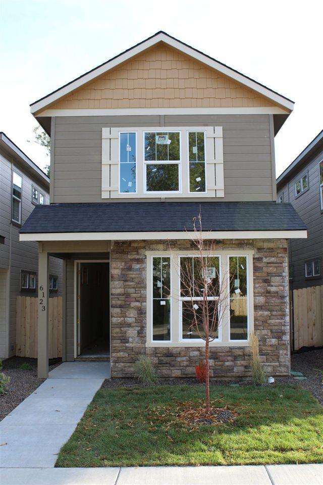 6123 W Poplar Street, Boise, ID 83704 (MLS #98673804) :: The Broker Ben Group at Realty Idaho