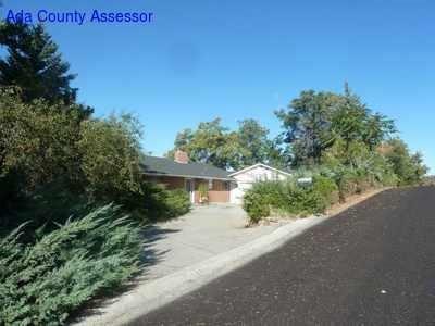 2143 S Rockridge Way, Boise, ID 83712 (MLS #98676292) :: We Love Boise Real Estate