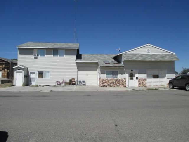 215 & 217 Idaho Street, Gooding, ID 83330 (MLS #98680609) :: Ben Kinney Real Estate Team