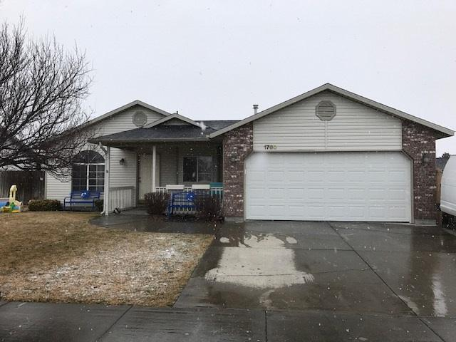 1760 Wasatch, Mountain Home, ID 83647 (MLS #98680758) :: Zuber Group