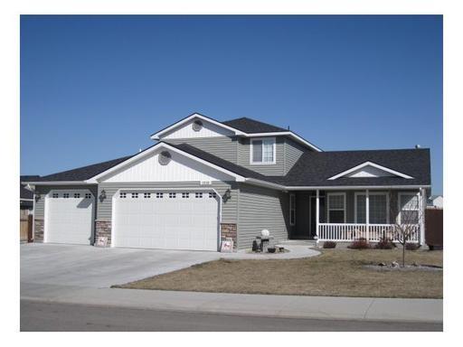 1510 E 15th North, Mountain Home, ID 83647 (MLS #98683018) :: Build Idaho