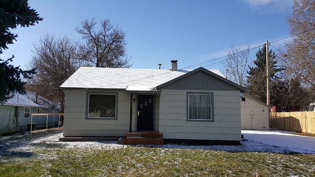 239 SW Locust, New Plymouth, ID 83655 (MLS #98683351) :: Zuber Group