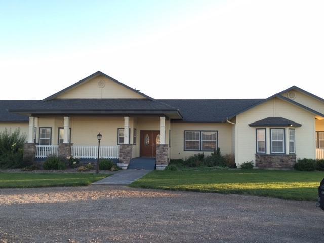 10331 W Mesa View Dr, Hammett, ID 83627 (MLS #98685505) :: Boise River Realty