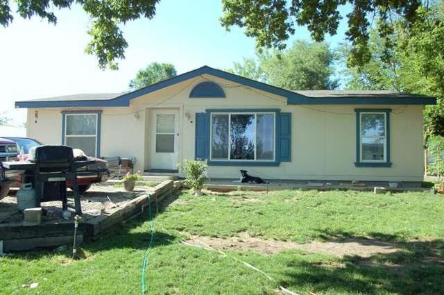512 S Main, Homedale, ID 83628 (MLS #98685811) :: Build Idaho