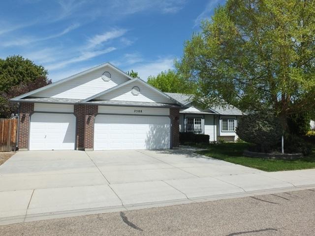 2588 W Willard St, Meridian, ID 83642 (MLS #98690811) :: Jon Gosche Real Estate, LLC
