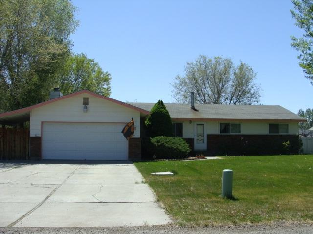 240 NW Wilson Cir, Mountain Home, ID 83647 (MLS #98692103) :: Juniper Realty Group