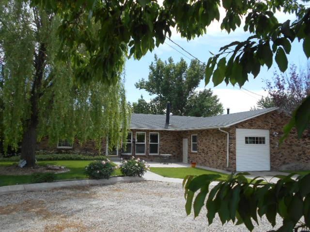 1889 W Central, Emmett, ID 83617 (MLS #98694057) :: Boise River Realty