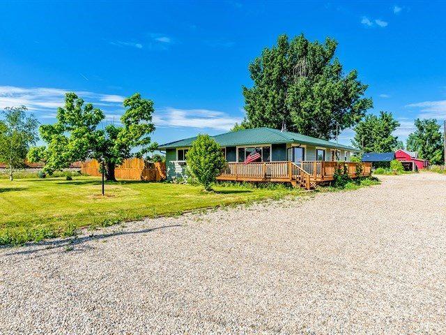 1011 N Substation Rd., Emmett, ID 83617 (MLS #98694084) :: Boise River Realty