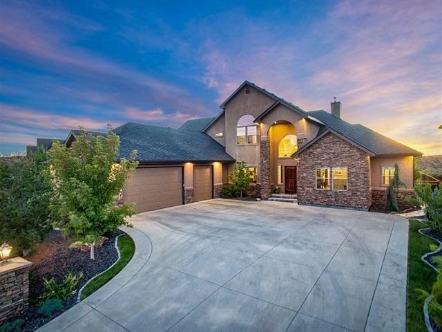 3748 W Quail Hollow Ct, Boise, ID 83703 (MLS #98698098) :: Jon Gosche Real Estate, LLC