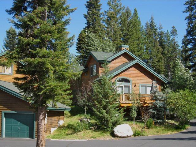 965 Cottage Court, Mccall, ID 83638 (MLS #98699119) :: Juniper Realty Group
