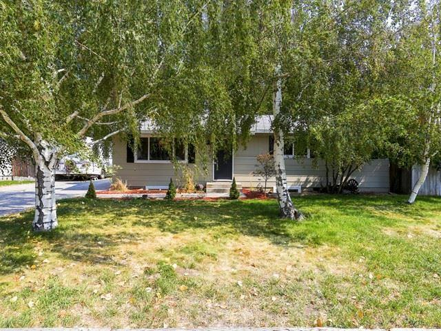 826 Oregon St, Gooding, ID 83330 (MLS #98706258) :: Boise River Realty