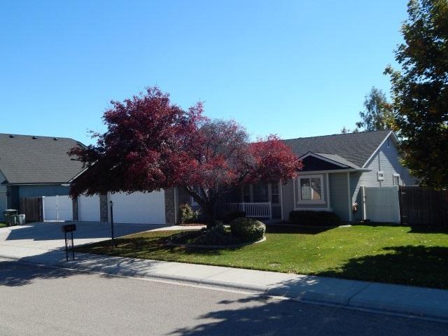 3747 W Angelica, Meridian, ID 83646 (MLS #98710390) :: Boise River Realty