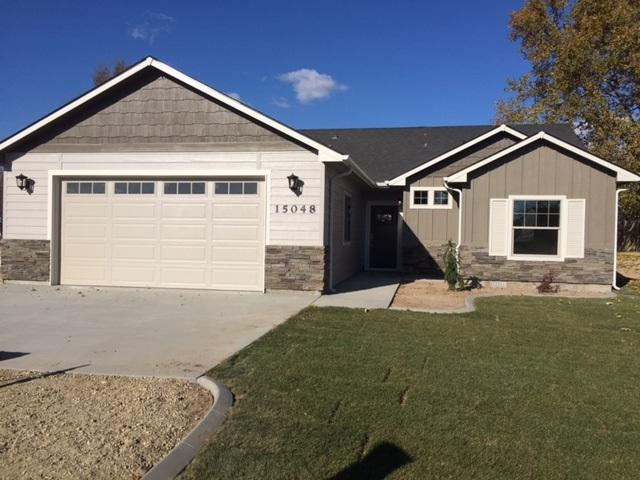 15048 Vista Dr, Caldwell, ID 83607 (MLS #98713537) :: Team One Group Real Estate