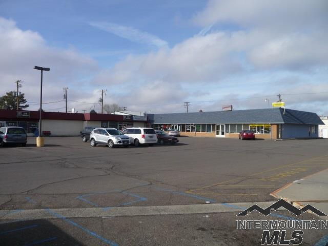 2203 - 2219 Overland Avenue 2203, 2205, 220, Burley, ID 83318 (MLS #98714487) :: Build Idaho