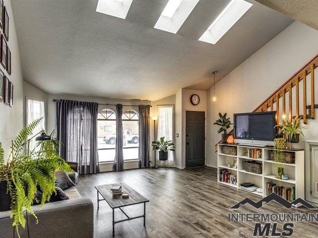 574 N Raymond St, Boise, ID 83704 (MLS #98716700) :: Juniper Realty Group