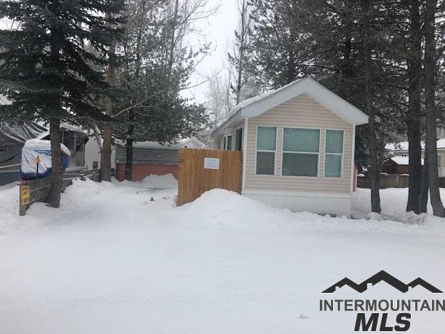 514 Sawyer #D17 D17, Cascade, ID 83611 (MLS #98717344) :: Boise River Realty