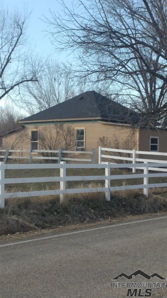 1865 N Eagle Road, Eagle, ID 83616 (MLS #98719710) :: Adam Alexander