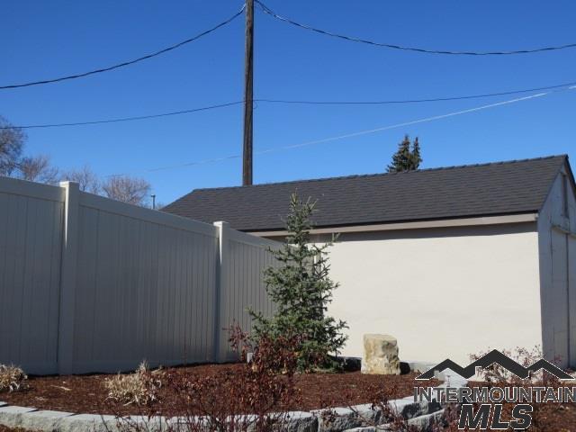 585 S Park, Ontario, OR 97914 (MLS #98722324) :: Jon Gosche Real Estate, LLC