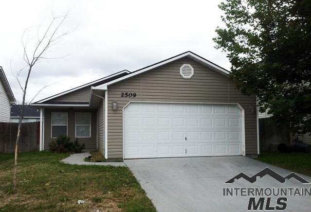 2509 E Cinnamon Lane, Nampa, ID 83687 (MLS #98722386) :: Juniper Realty Group