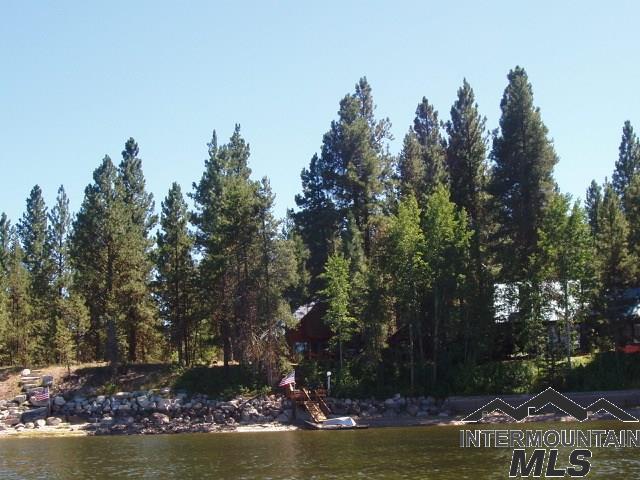168 Shadows Trail, Donnelly, ID 83615 (MLS #98723658) :: Bafundi Real Estate
