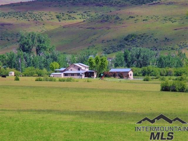 2490 Cemetery Lane, Council, ID 83612 (MLS #98725011) :: Jon Gosche Real Estate, LLC