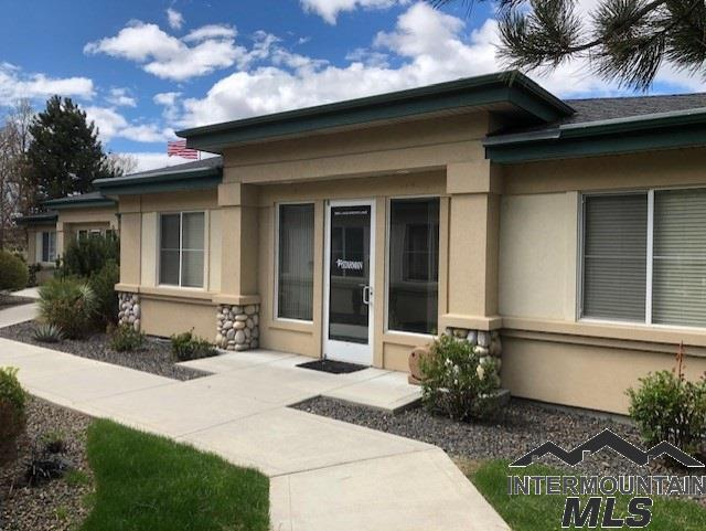 3663 N Lakeharbor Lane, Boise, ID 83703 (MLS #98725484) :: Team One Group Real Estate