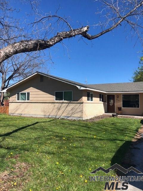 916 Davis Ave, Nampa, ID 83651 (MLS #98726059) :: Legacy Real Estate Co.
