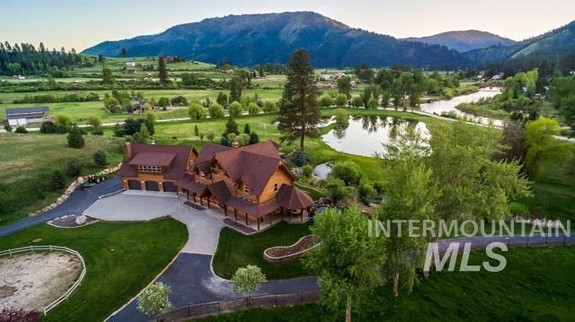 30 Sawmill Ln, Garden Valley, ID 83622 (MLS #98728402) :: Legacy Real Estate Co.