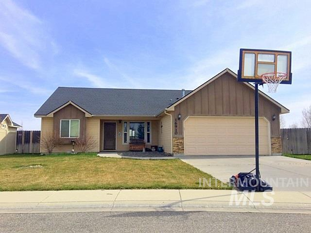 16910 N Saxton Court, Nampa, ID 83687 (MLS #98728631) :: New View Team