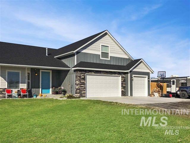 583 Pioneer Drive, Jerome, ID 83338 (MLS #98730284) :: New View Team