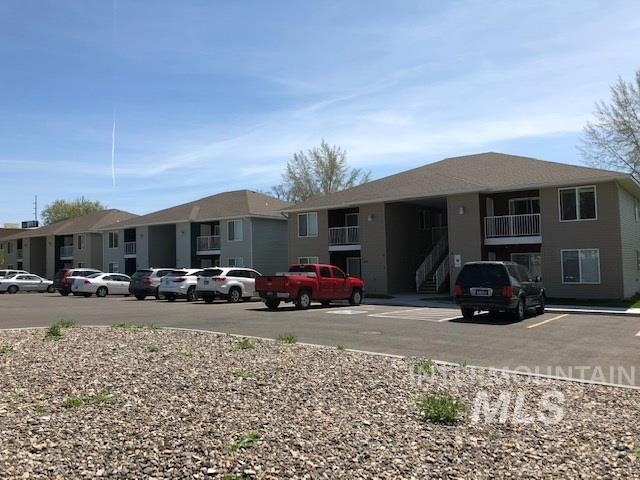 115,121,129 West Ave I, Jerome, ID 83338 (MLS #98730822) :: New View Team
