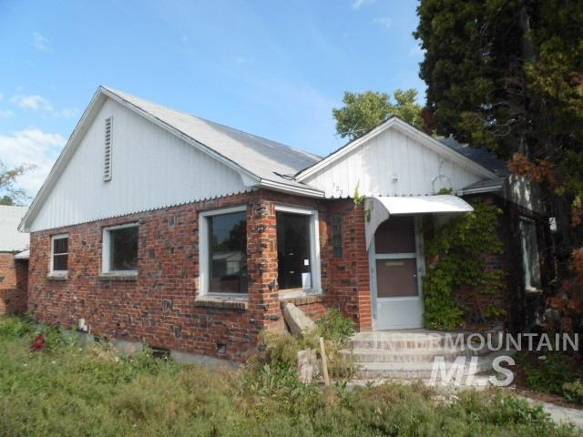 123 Holly St, Nampa, ID 83686 (MLS #98730825) :: Idahome and Land