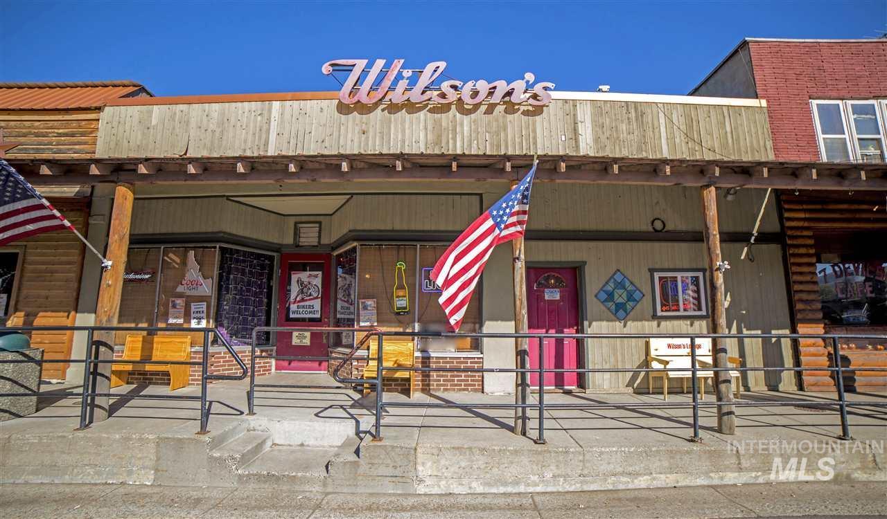 114 Illinois Ave - Photo 1