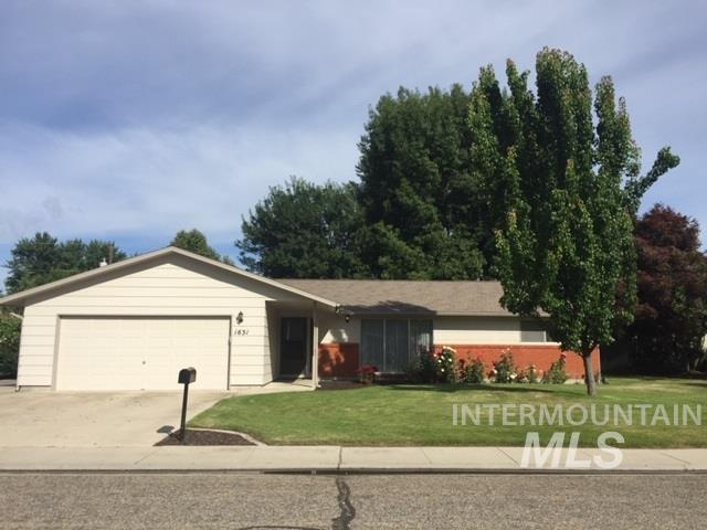 1631 S Gekeler Lane, Boise, ID 83706 (MLS #98734969) :: Givens Group Real Estate