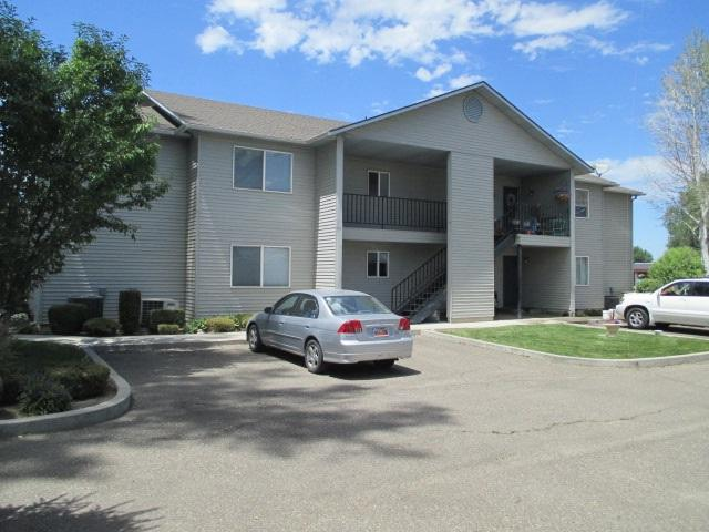 275 Elaine #3, Twin Falls, ID 83301 (MLS #98737790) :: Minegar Gamble Premier Real Estate Services