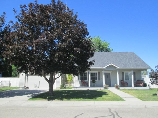 307 Crimson Circle W, Fruitland, ID 83619 (MLS #98738010) :: Full Sail Real Estate