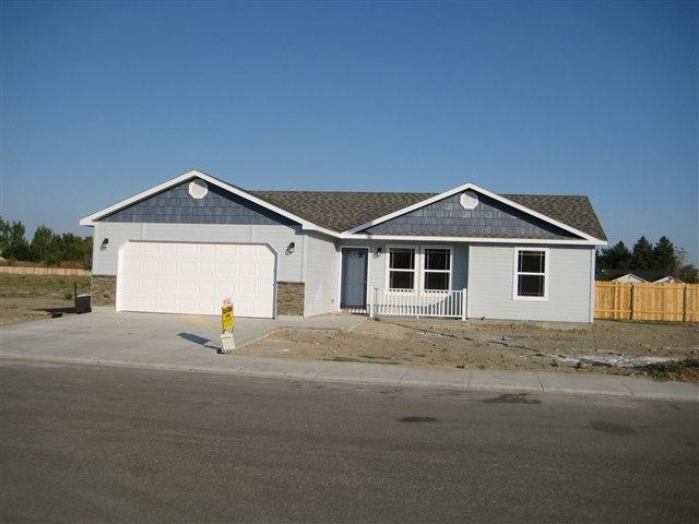 1040 W Butterfield, Weiser, ID 83672 (MLS #98738266) :: New View Team