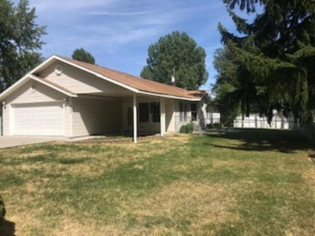 230 12th Ave W, Gooding, ID 83330 (MLS #98740197) :: Alves Family Realty
