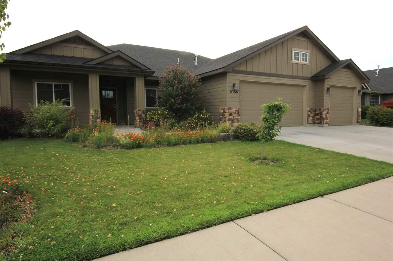 1086 S  Pencil Ave, Kuna, ID 83634 (MLS #98740396) :: Boise River Realty