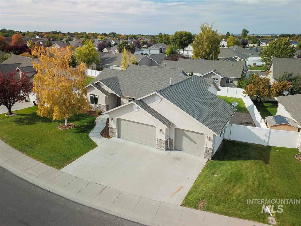 2645 Longbow Dr., Twin Falls, ID 83301 (MLS #98744581) :: Jon Gosche Real Estate, LLC