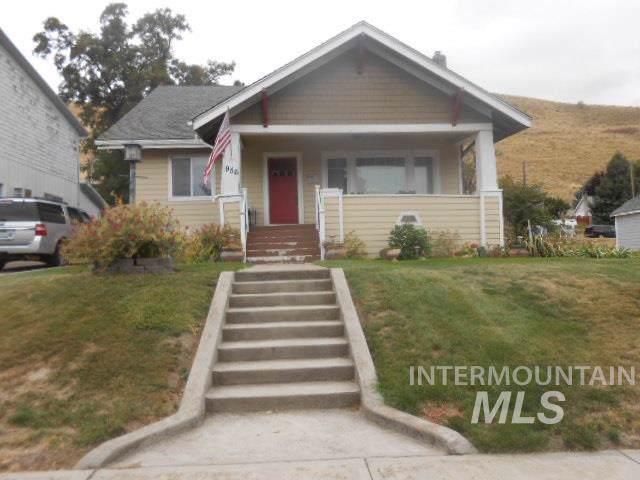956 Arlington Street, Pomeroy, WA 99347 (MLS #98744807) :: Silvercreek Realty Group