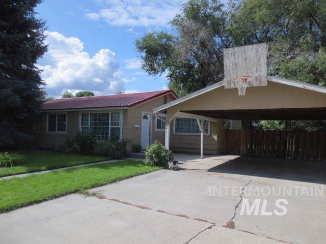 515 S Clark, Vale, OR 97918 (MLS #98745090) :: Full Sail Real Estate