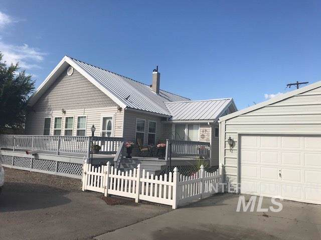 102 & 100 Chestnut Ave, Nyssa, OR 97913 (MLS #98745436) :: Team One Group Real Estate