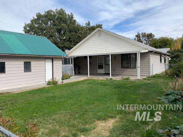 616 8th Street South, Nampa, ID 83686 (MLS #98746816) :: Team One Group Real Estate