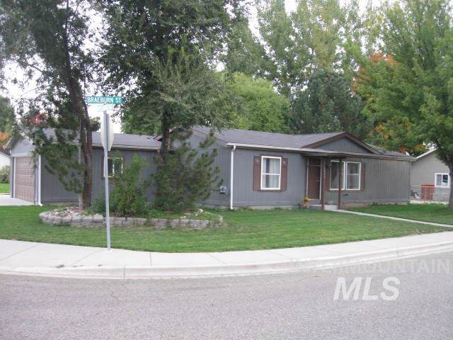 1011 Braeburn St, Fruitland, ID 83619 (MLS #98747085) :: City of Trees Real Estate