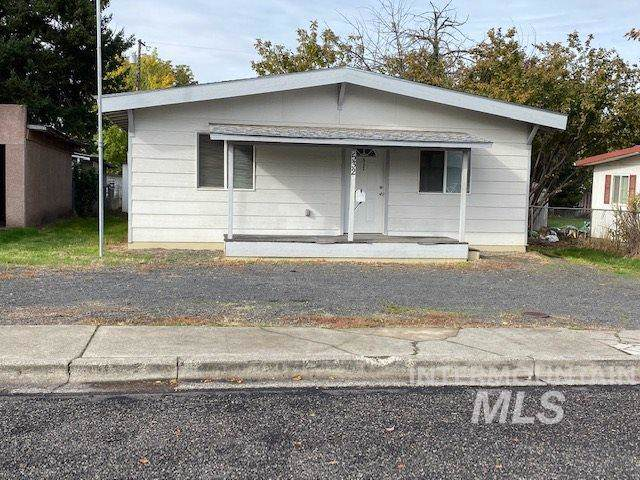 532 Burns, Clarkston, WA 99403 (MLS #98748298) :: New View Team